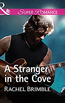 #Review: A Stranger in the Cove by Rachel Brimble @RachelBrimble @MillsandBoon @HarlequinBooks